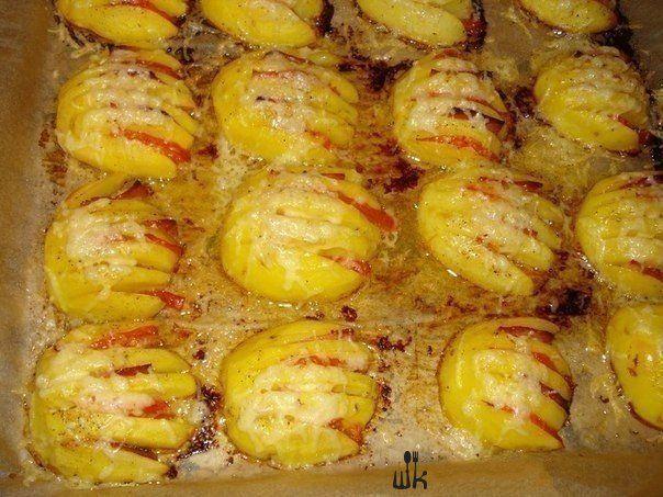 Картофельные ракушки и веера с сыром.