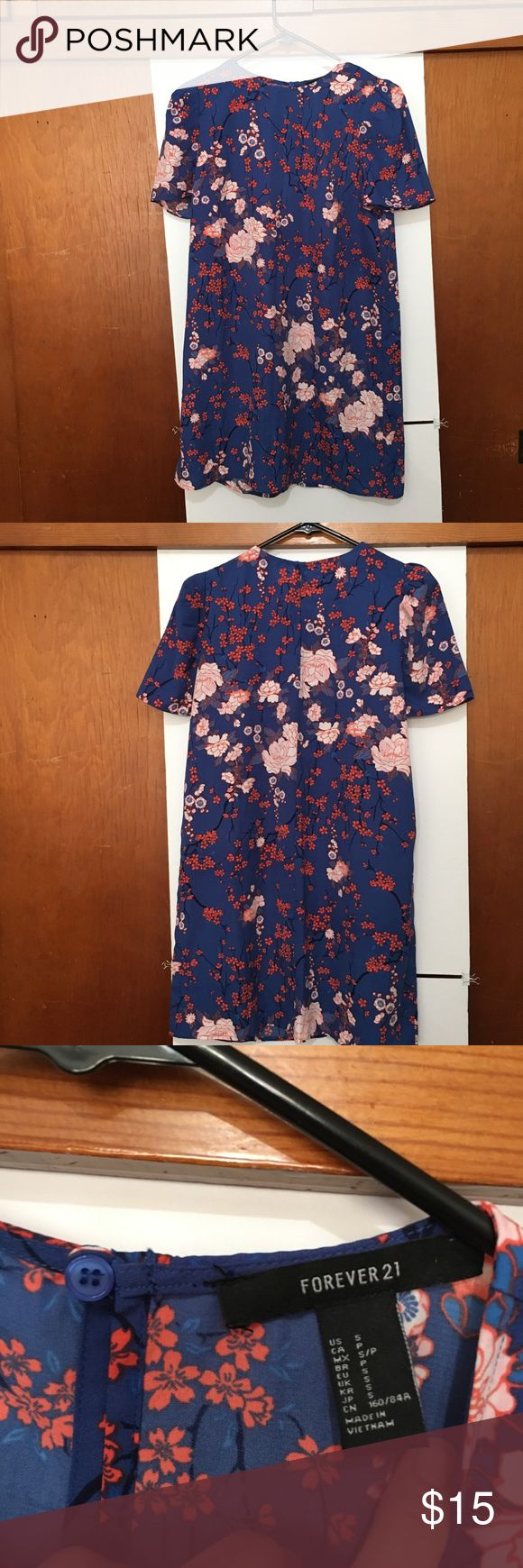 Summer dress sz S Blue Blue flowery dress! Super cute! Looks better with a belt! (Not included) from Forever 21, worn only once! Forever 21 Dresses Mini