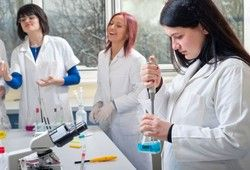 Schools are trying increase the number of students who graduate in STEM majors.   US News & World Report #STEM