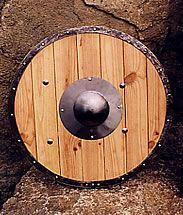 Boutique médiévale : fabrication de boucliers médiévaux en acier, écus de chevaliers du Moyen-Age, rondaches médiévales, boucliers viking en bois, umbo acier.