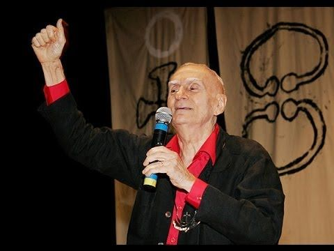 Ariano Suassuna mete o pau na Banda Calypso