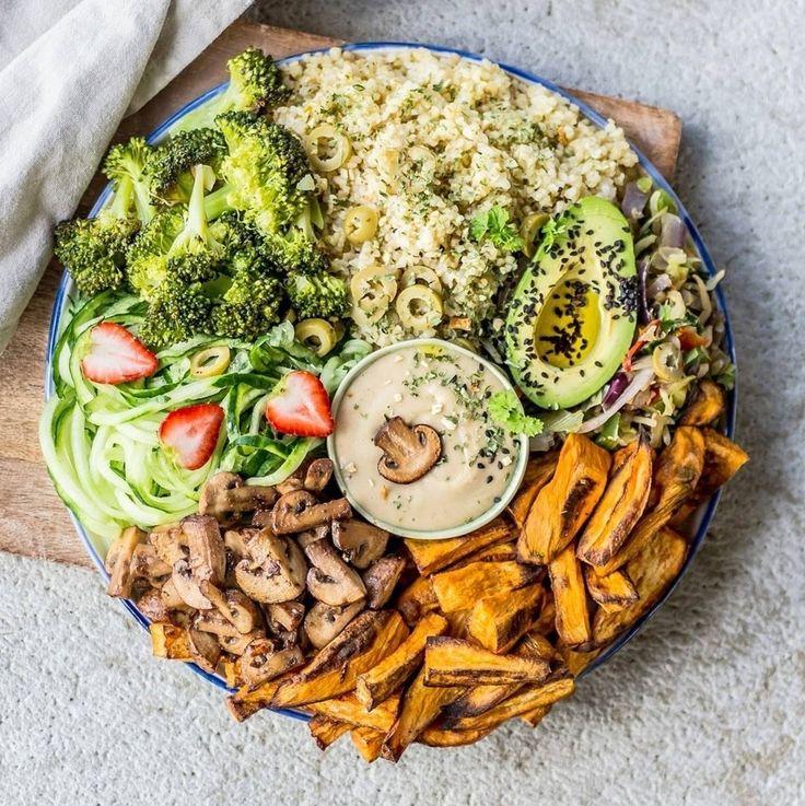 sweet potato fries, bulgur with olives, cucumber spirals, wok broccoli, sautéed mushrooms, avocado & tahini