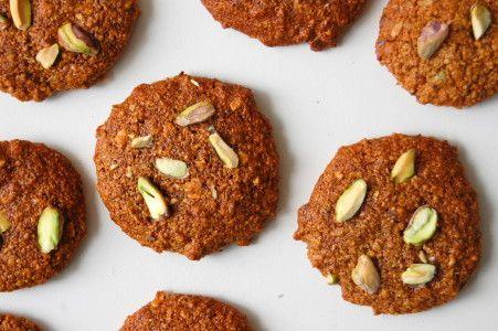 Deze pistache koekjes met honing zijn verantwoord, gezond en lekker! Bovendien zijn ze erg simpel om te maken. Bekijk hier het makkelijke recept.