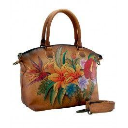 Obtine recunostinta vesnica a nasei de cununie cu un cadou fashion si elegant, o geanta Iara din piele naturala, Anuschka,  usor de asortat la orice tinuta