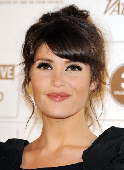 Gemma Arterton-- great hair and makeup