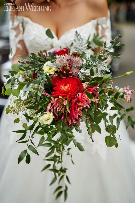 Red Bouquet with Greenery, Fall Wedding Bouquet, Fall Bouquets #weddingbouquet #bouquets #bridalbouquet
