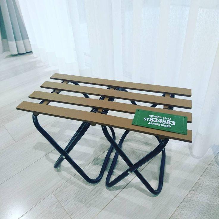 ダイソー セリアのパイプ椅子を 男前なラックやテーブルにリメイク Folk テーブル Diy 100均 ミニテーブル アウトドア テーブル