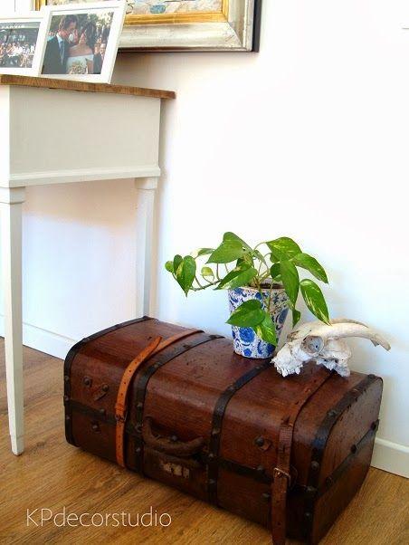 Baúl maleta de principios de siglo ** antique trunk  Podeis comprarlo en http://www.tiendavintageonline.com/2014/01/baul-maleta-antiguo-online.html