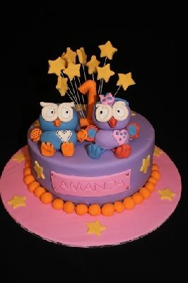 Hoot and Hootabelle cake with stars