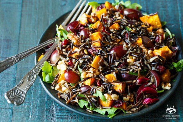 Chicken Wild Rice Salad With Grapes And Cashews - This Chicken Wild Rice Salad With Grapes And Cashews uses chewy, dense wild rice and is a tasty alternative to white or brown rice. It packs a ton of nutritional goodness as well.