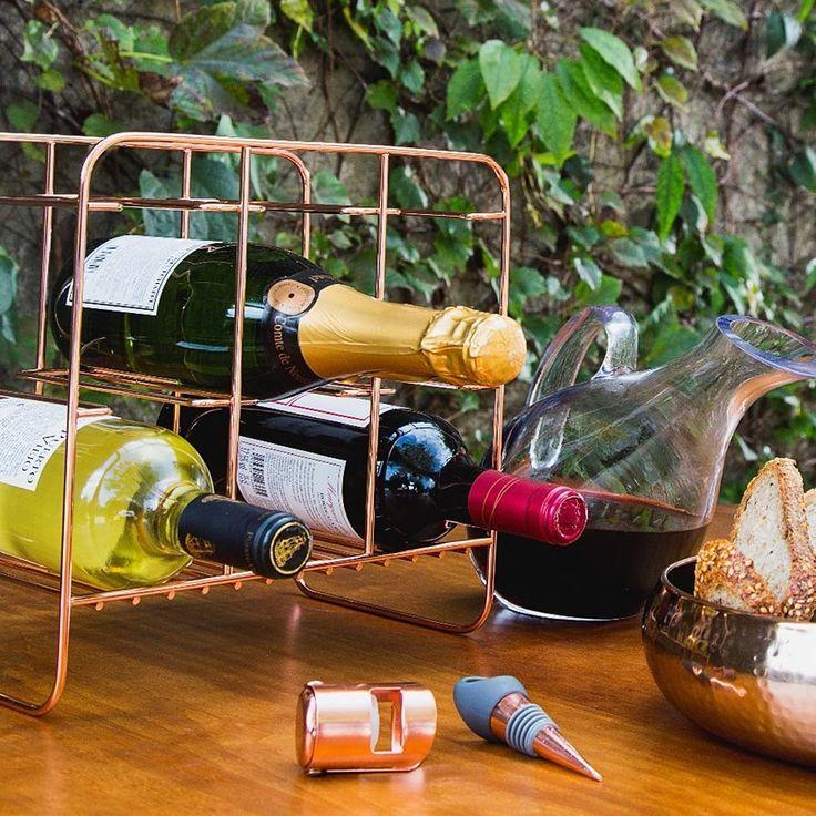 """3,143 curtidas, 47 comentários - Tok&Stok (@tokstok) no Instagram: """"Um bom vinho harmoniza com uma boa decoração. Confira as sugestões de presentes para o Dia dos…"""""""