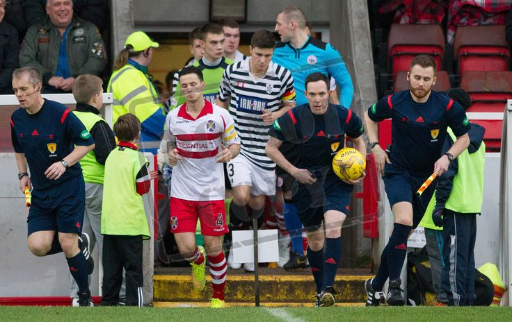Referee Colin Steven leads the players out before the SPFL League Two game between Stirling Albion and Queen's Park