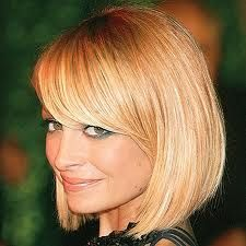 swing bob with bangsBobs Haircuts, Nicole Richie, Shorts Hair, Bobs Hairstyles, Hair Cut, Side Bangs, Shorts Bobs, Hair Style, Long Bobs