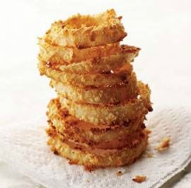 Oven baked onion rings are a perfect, light side dish! #sidedish #onionrings #recipe