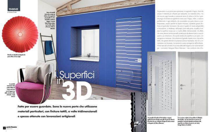 """Servizio redazionale """"Superfici in 3D"""" dedicato al decoro specchiato Vela su porta a battente Plain laccata blu all'interno di Porte&Finestre di Febbraio 2014"""