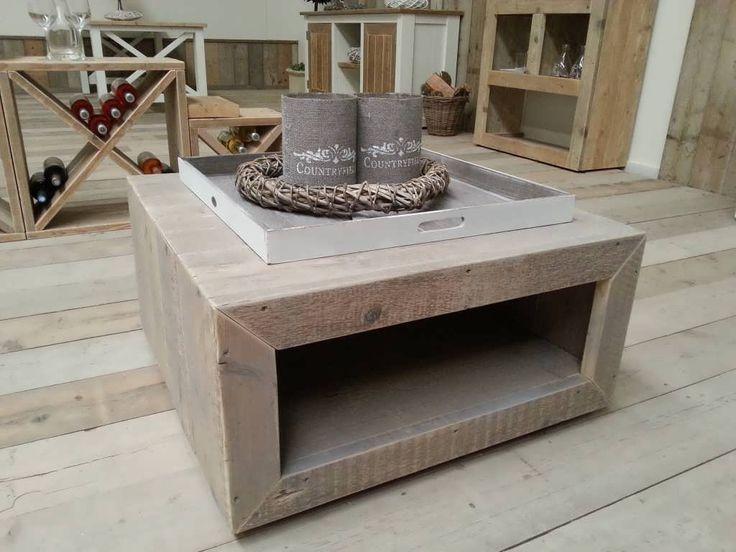 Salontafel gemaakt van oud steigerhout behandeld met grey wash licht