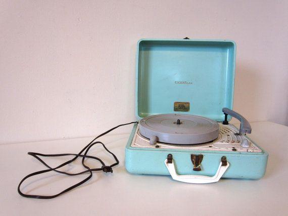 portable record player, truetone turntable, aqua blue
