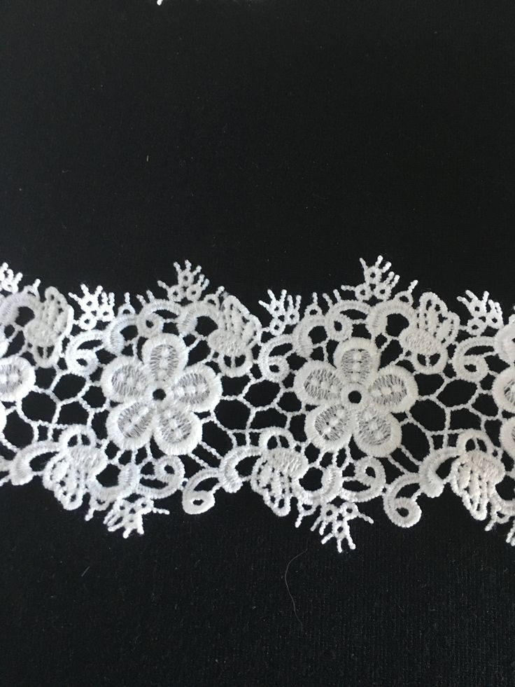White Lace, water soluble embroidered floral design, 7.5 cm wide, finished edges. WH225 by TheQuiltedCheese on Etsy