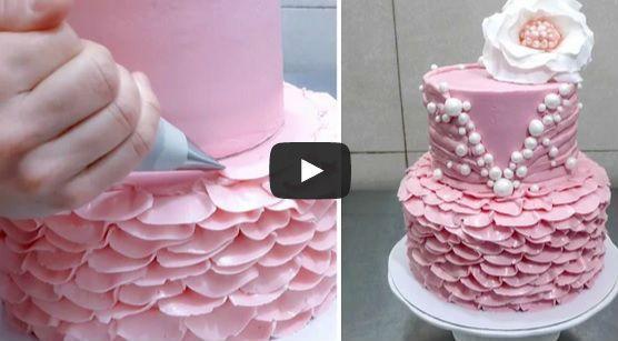 Esta repostera tiene mucho talento y te enseñará cómo hacer una tarta ruffle cake en solo 6 minutos!!!