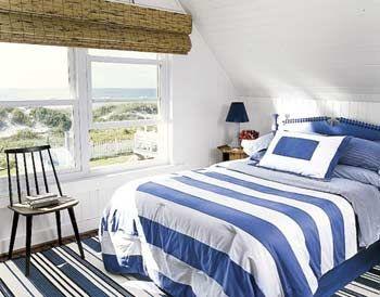 Спальня по фен-шуй. Кровать под скошенным потолком.  Ци в такой комнате несбалансированна. Как правило, дети, спящие под скошенным потолком, растут капризными и беспокойными. Комнату можно исправить, превратив скошенную часть в шкаф-купе. Если же планировка не позволяет этого сделать, лучше спать под более высокой частью потолка, чем под скосом.