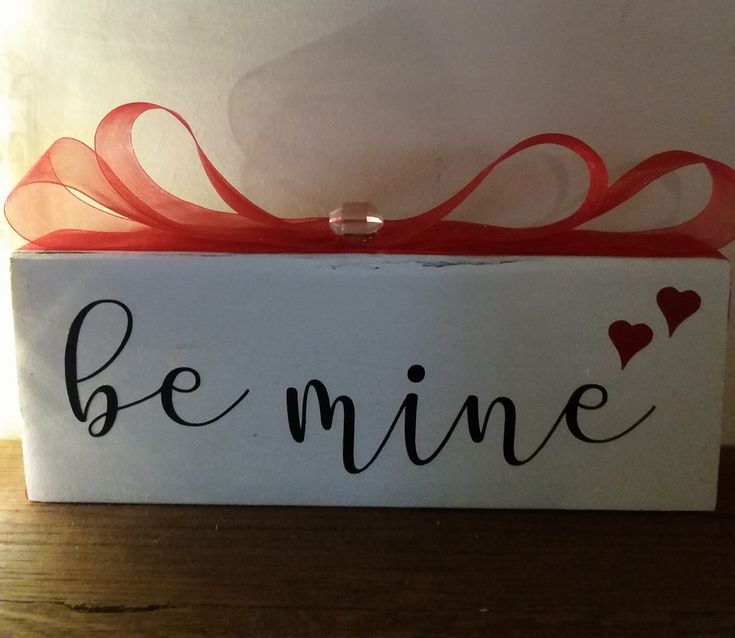 """""""Be mine"""" free standing wood block with ribbon & crystal"""