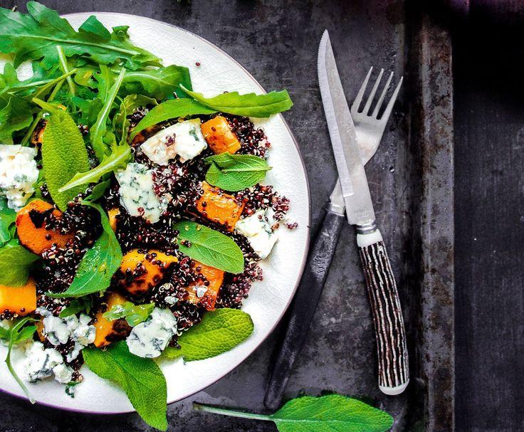 Kurpitsa-homejuusto-kvinoasalaatti ja vadelmavinegrette