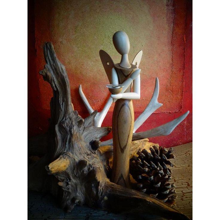 Weihnachtsdeko mit Stil: Die sinnlichen Engel aus der Kollektion Sternkopf. Modernes Design aus dem Erzgebirge. Sammlerstück und himmlische Geschenkidee nicht nur zu Weihnachten.