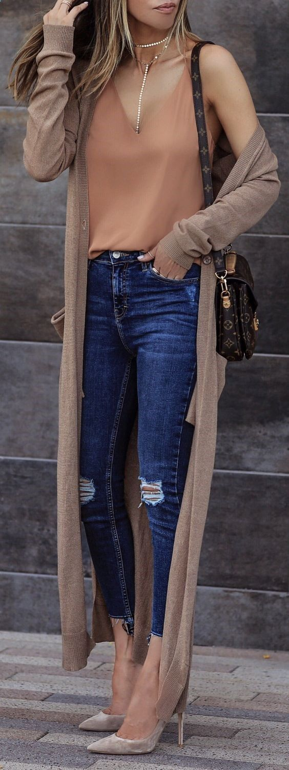 #summer #outfits Monday Night Vibes ✨ Navy Ripped Skinny Jeans   Brown Poncho   Burnt Tank