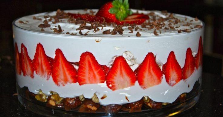 A citromos álom egy könnyen elkészíthető, gyors, sütés nélküli édesség. Remek megoldás, ha épp nincs elég időnk sütemény készítésére. Próbáld ki, biztosan nem lősz mellé!