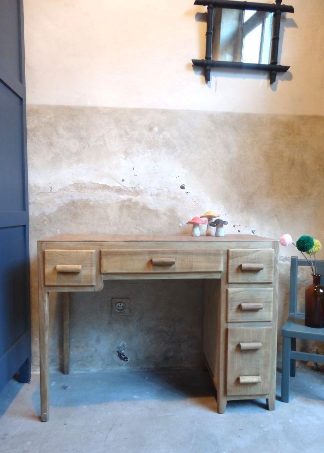 Les 255 meilleures images propos de sur pinterest armoires - Bureau ancien enfant ...
