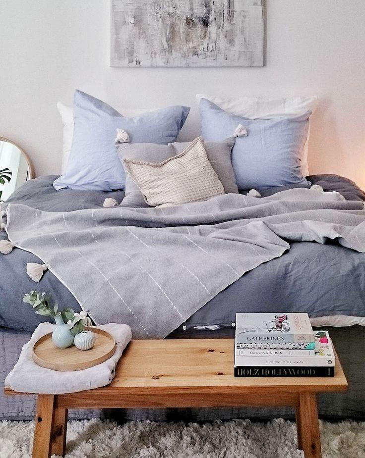 ein traum von schlafzimmer in blau und natur kombiniert verschiedenen blaut ne und texturen bei. Black Bedroom Furniture Sets. Home Design Ideas