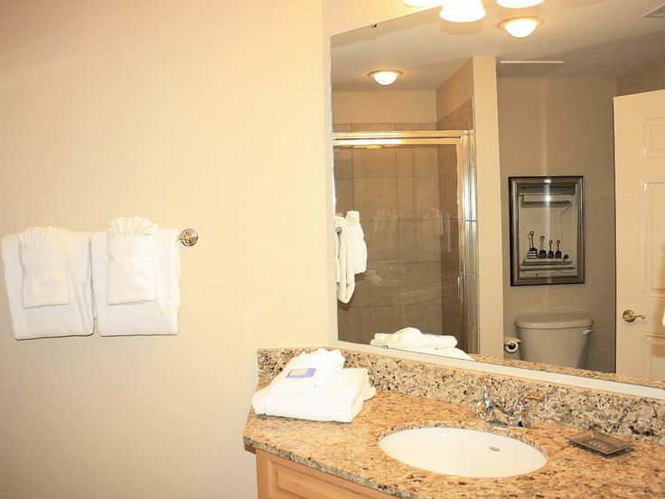 The Third Bathroom Features Granite Countertop Vanity And A Tub/shower  Combo With Seat. Royale Palms Vacation Rental   VRBO 558996   3 BR Kingston  ...