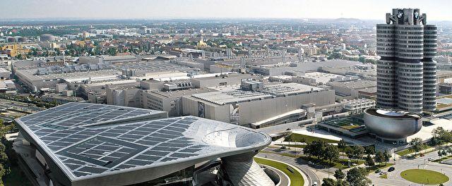 BMW Welt und Museum München. Das große Portrait des weltweit einzigartigen Erlebnis- und Auslieferungszentrums von BMW.