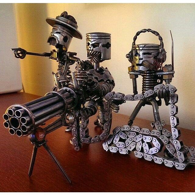 Funny Check out our community : https://plus.google.com/u/0/b/109129921515735293128/communities/108140587796767189247 #steampunk #sculpture  #recycled  #art  #funny