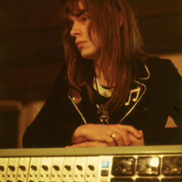 Steve Howe I love this man. His music makes him beautiful