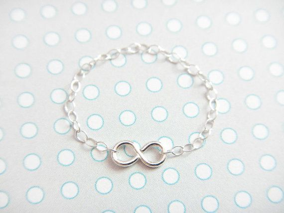 Bague mimi mais CHIC :D !  Silver Infinity Ring  sterling silver chain ring by CarrotsCo, $13.00