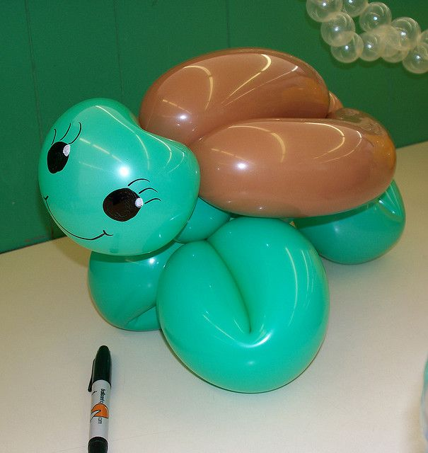 The next time some ask me if I want a balloon animal, this is the one I want.. So cute!