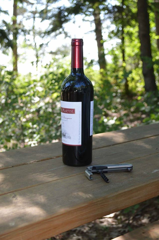 Relax and enjoy the outdoors this summer. And if you enjoy a glass of wine, the BMT4 Barmaster is perfect to open up the bottle.