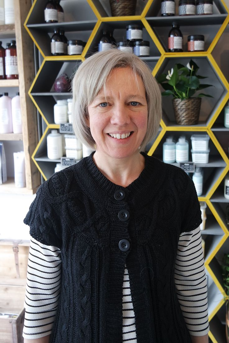 We love seeing how happy our clients are when we are able to help them achieve their hair goals! Here's client Emma after her visit to Charlene with her new gorgeous silver toned highlights ✂️❄️ #iceblonde #silverhair #silvertone #davines #davinescolour #igers #ecosalon #eco #bristol #hairdressing #happy #hairdressermagic #goodsalonguide #allilon #alliloneducation #hairgoals