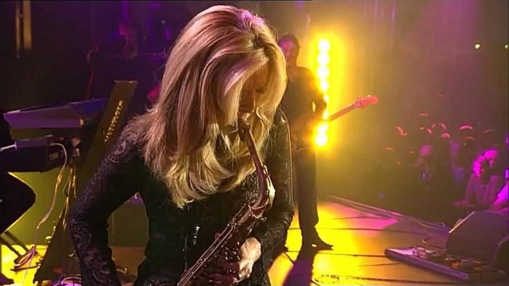Candy Dulfer - Pick Up The Pieces (Part 1). Cathy is giving that drummer a run for the money...LOL!