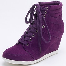 Wedge sneakers are the latest trend in Hollywood and I am so glad that I can find a cheap yet super cute pair here in Australia.
