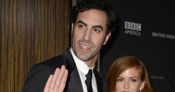 """28 de dezembro de 2015: """"Borat"""" doa mais de 900 mil euros a crianças sírias (DN) Com: Sacha Baron Cohen"""
