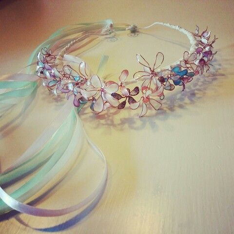 Nailpolish flower crown