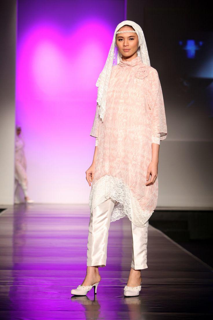 "Romantic Cotton by Nunik ""Covered in Romance"", Jakarta Islamic Fashion Week 2013"