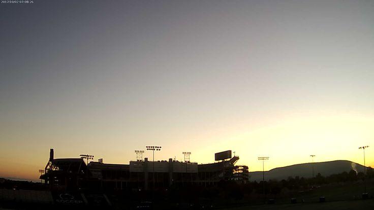 PSU Football Wx @PSUFootballWx    Penn State Beaver Stadium at sunrise and it's 40.1 F
