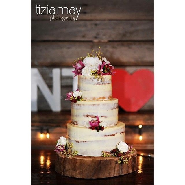 Our little rustic number captured so beautifully by @tiziamayphotography  #cherrytreebakehouse #gumgullyfarm