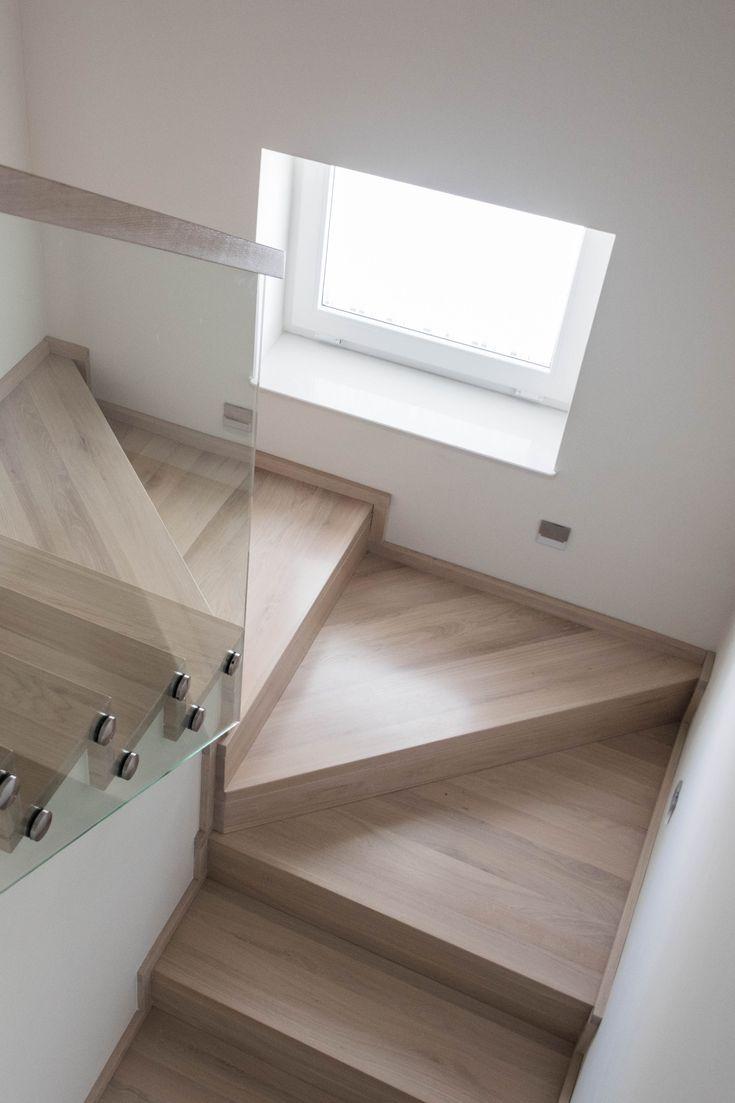 #schody#dywanowe#schodydywanowe#nowoczesne#balustrada#balustradaszklana#szkło#schodydębowe#wnętrze#schodynowoczesne#klatkaschodowa#stairs#glassbalustrade#glass#wood#modernstairs#oak#Schody dywanowe wykonane z olejowanego dębu.