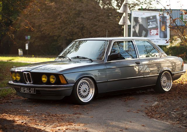 bmw e21 323i garage door 1 1980 39 s pinterest. Black Bedroom Furniture Sets. Home Design Ideas