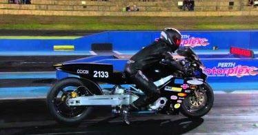 Επική αποτυχία εκκίνησης σε αγώνα μοτοσικλέτας (VIDEO)