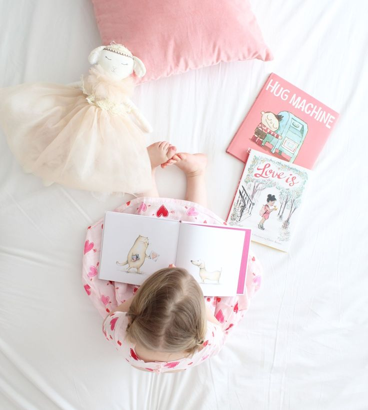 We love holidays around here! Christmas, Easter, Valentine's Day – you name it, we love it!  So of course we can't resist some holiday themed books! My kids each have book ledge…